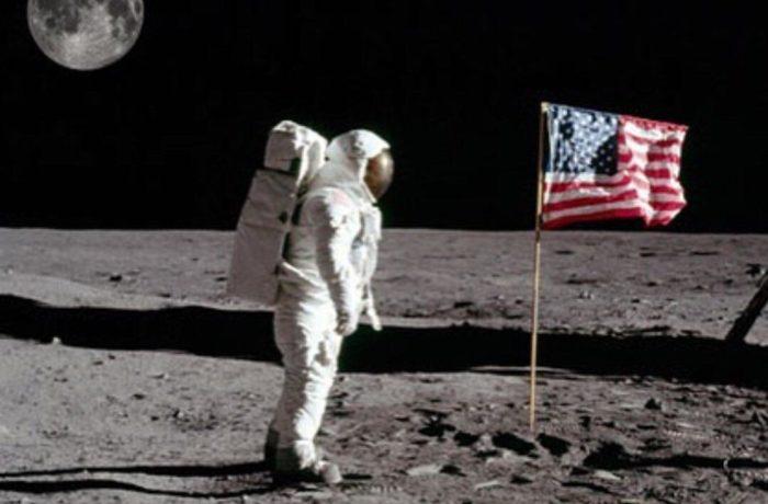 Oupa Mocke en die man op die maan